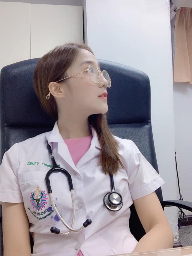 แพทย์หญิง วรัญญา งานทวี