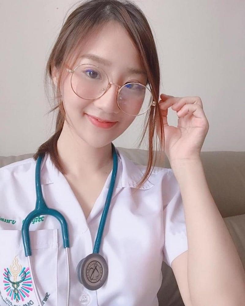 คุณหมอลิลี่