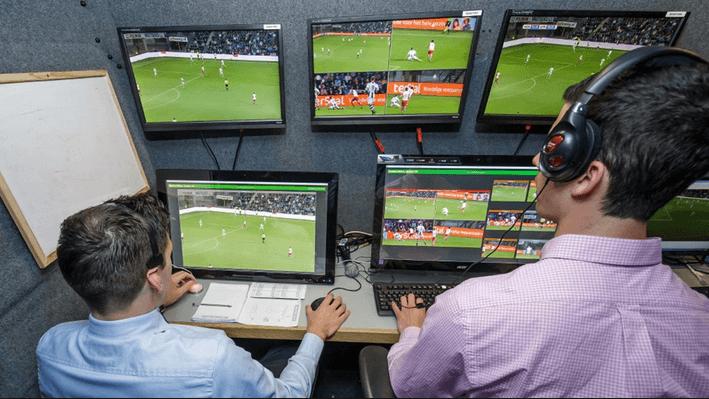 ผู้ช่วยผู้ตัดสิน VAR หรือ Video assistant referee ในเกมลูกหนังคืออะไร